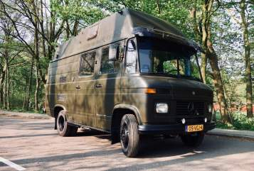 Hire a motorhome in Amstelveen from private owners| Mercedes Benz  Camper Hector