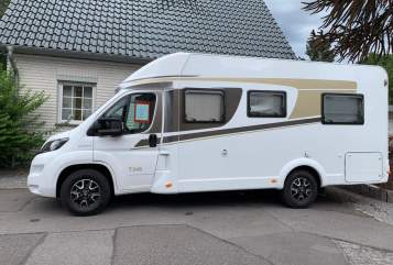 Hire a motorhome in Herzogenrath from private owners| Carado Sunshinemobil