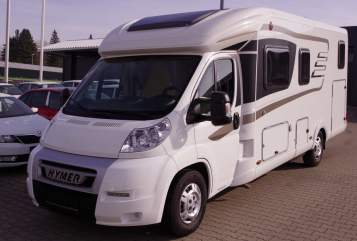 Hire a motorhome in Soltau from private owners| Hymer Maxi