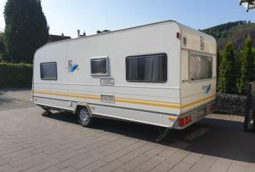 Hire a motorhome in Arnsberg from private owners| Knaus Wohni