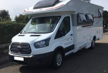 Hire a motorhome in Tremsbüttel from private owners| ROLLER TEAM La Familia