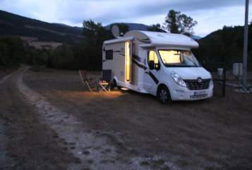 Hire a motorhome in Warburg from private owners| Ahorn OnTour