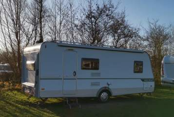 Hire a motorhome in Elz from private owners| Eiffelland Hugo
