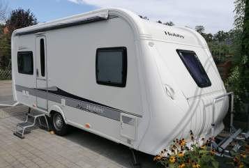 Hire a motorhome in Nauheim from private owners| Hobby Holly