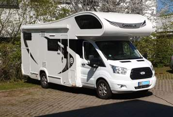 Hire a motorhome in Großbeeren from private owners| Chausson Mister Big
