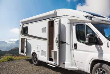 Hire a motorhome in Altena from private owners| Weinsberg Sauerlandcamper