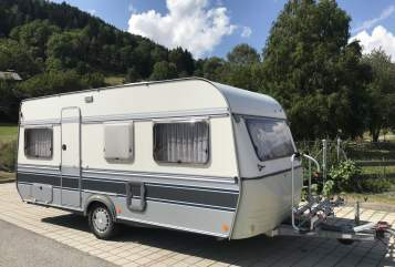 Hire a motorhome in Dettenhausen from private owners| Fendt Larelix-Camping