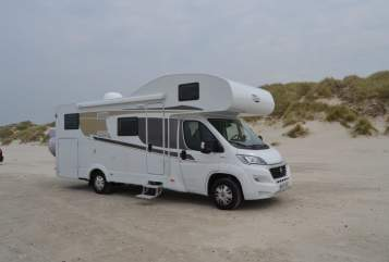 Hire a motorhome in Vipperow from private owners| Carado MIMI