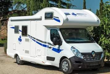 Hire a motorhome in Hamburg from private owners| Ahorn Camp 660