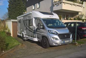 Hire a motorhome in Dortmund from private owners| Orange Camp  Lilli