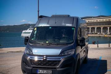 Hire a motorhome in München from private owners| Pössl Felix