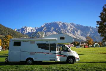 Hire a motorhome in Bargteheide from private owners| Sunlight Sunlight A70