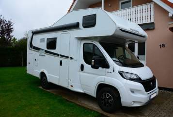 Hire a motorhome in Sanitz from private owners| Weinsberg Weini