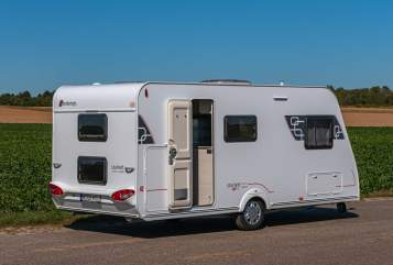 Hire a motorhome in Grevenbroich from private owners| Sterkeman Family Dream