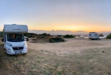 Hire a motorhome in Panketal from private owners| Sunlight Sunny