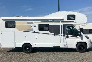 Hire a motorhome in Mönchgut from private owners| Carrado Ferdinand