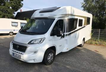 Hire a motorhome in Gettorf from private owners| Carado  Carado