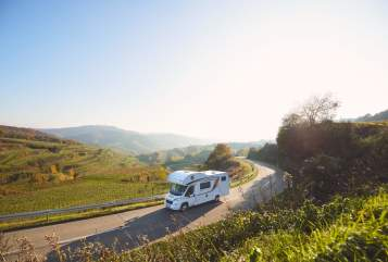 Hire a motorhome in Frankenthal from private owners| Bürstner Luxuskutsche