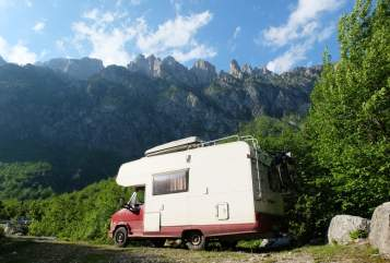 Hire a motorhome in Köln from private owners  Dethleffs Alkoven auf Fiat Ducato  GlobetrotterCGN