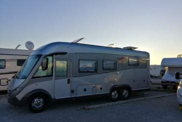 Hire a motorhome in Ehra-Lessien from private owners| Carthago  Hagrid