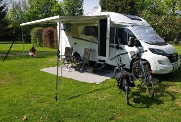 Hire a motorhome in Büdingen from private owners| Carado Jennys Exklusiv