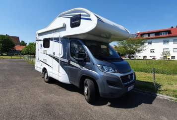 Hire a motorhome in Friedrichshafen from private owners| Knaus Sky Traveller