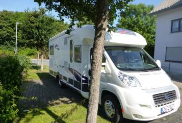 Hire a motorhome in Lemgo from private owners| Carthago cati