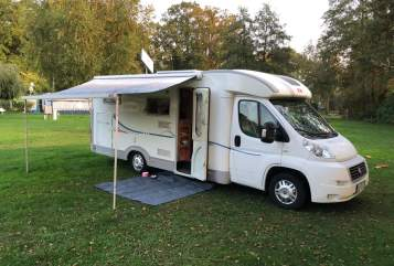 Hire a motorhome in Overath from private owners| Adria Herr Ribbeck