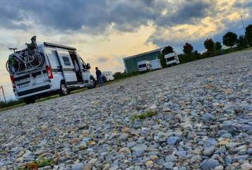 Hire a motorhome in Mutterstadt from private owners| Hymercar  wombia