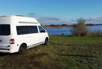 Hire a motorhome in Hamburg from private owners| VW Bob