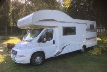 Hire a motorhome in Leinefelde-Worbis from private owners| Carado  DoritsCamper