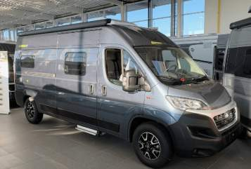 Hire a motorhome in Marienheide from private owners| Hymercar Hymer Free 602