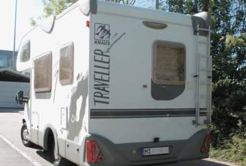 Hire a motorhome in Unterhaching from private owners| Knaus Emma