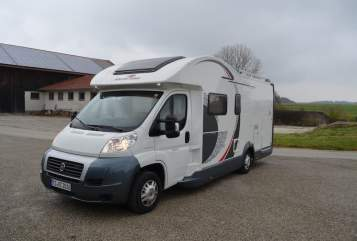 Hire a motorhome in Heiningen from private owners| Roller Team Berta