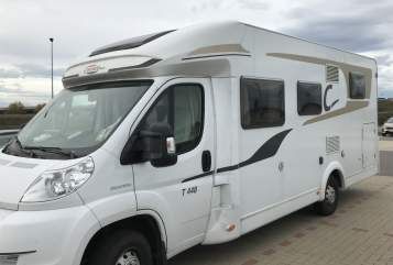 Hire a motorhome in Laboe from private owners| Carado Northcamper