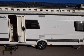 Hire a motorhome in Wuppertal from private owners| Dethleffs Happy Family