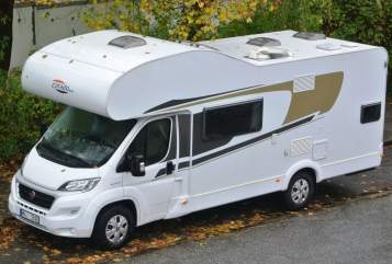 Hire a motorhome in Hamburg from private owners| Carado AugustDerStarke