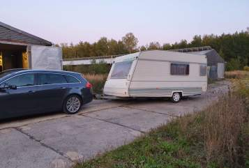 Hire a motorhome in Jena from private owners| Caravelair  Bastian