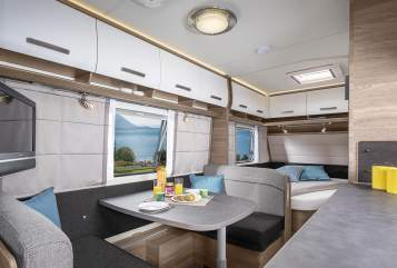 Hire a motorhome in Ettaler Forst from private owners| Knaus Knaus Sport 540