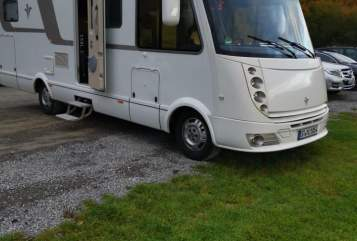 Hire a motorhome in Emsdetten from private owners| Niesmann & Bischoff Kleiner