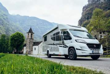 "Hire a motorhome in Stadtkyll from private owners| Sunlight ""Aktive"""
