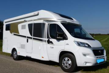 Hire a motorhome in Wörth am Main from private owners| Carado Milan