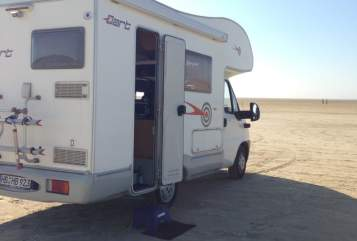 Hire a motorhome in Bremen from private owners| McLouis Frederick