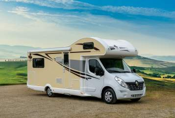 Hire a motorhome in Dresden from private owners| Ahorn Claus