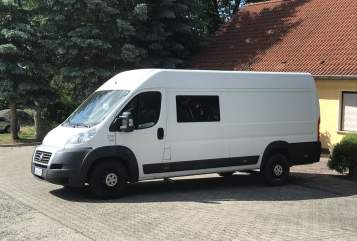 Hire a motorhome in Jena from private owners| Fiat Vanzilla