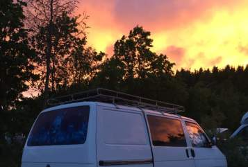 Hire a motorhome in Leverkusen from private owners| VW Transporter DoDo