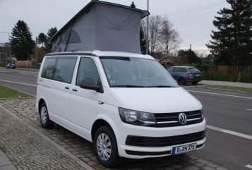Hire a motorhome in Berlin from private owners| VW T6 DiekleineMarie