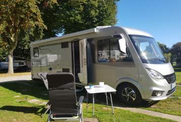 Hire a motorhome in Essen from private owners| Hymer Hymer EX 678
