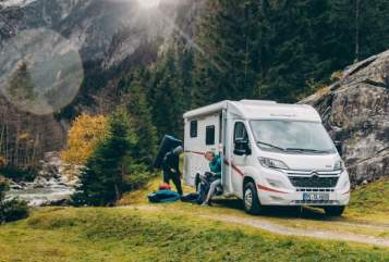 Hire a motorhome in Erfurt from private owners| Sunlight  SATURN