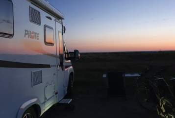 Hire a motorhome in Delbrück from private owners| Pilote Highlander